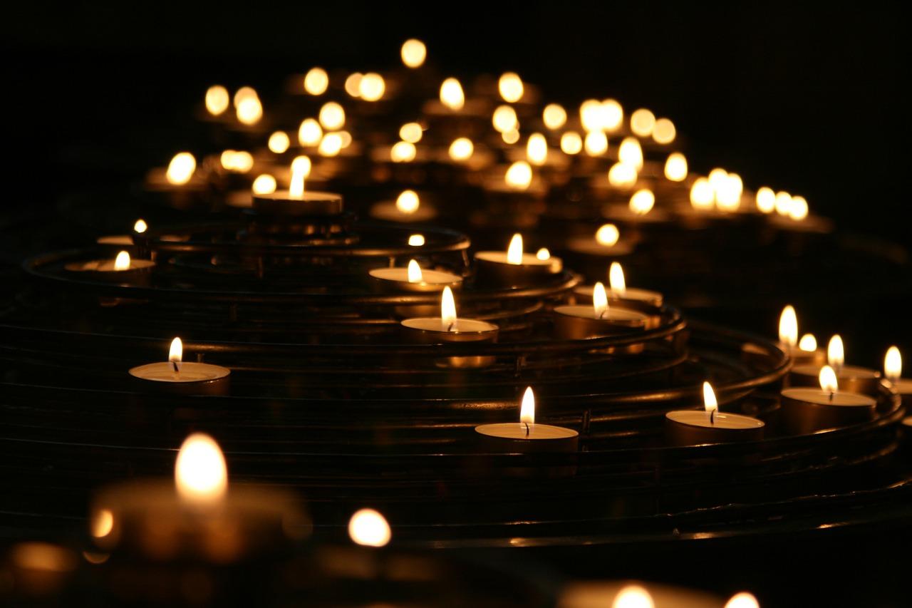 candlelights-1868525_1280
